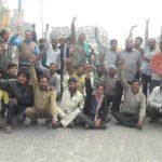 पुलिस विरोध में चालको ने लगाया जाम,किया प्रर्दशन