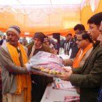 प्रशासन ने बांटा 264 गरीबों को कम्बल,जिले के अन्य तहसीलों को 50 ,50 हजार देगी प्रशासन