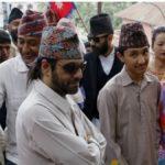नेपाल के पूर्व युवराज अस्वस्थ अपने पत्नी और पुत्र के साथ थाइलैंड में करा रहे इलाज।