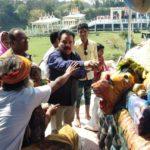 नौतनवा चेयरमैन ने भगवान शिव का जलाभिषेक कर नगर व विश्व की शांति के लिए किया कामना
